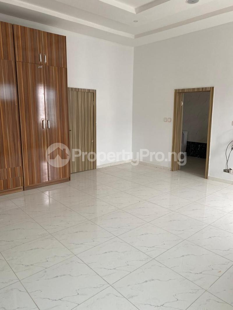 4 bedroom Terraced Duplex House for sale chevron Lekki Lagos - 11