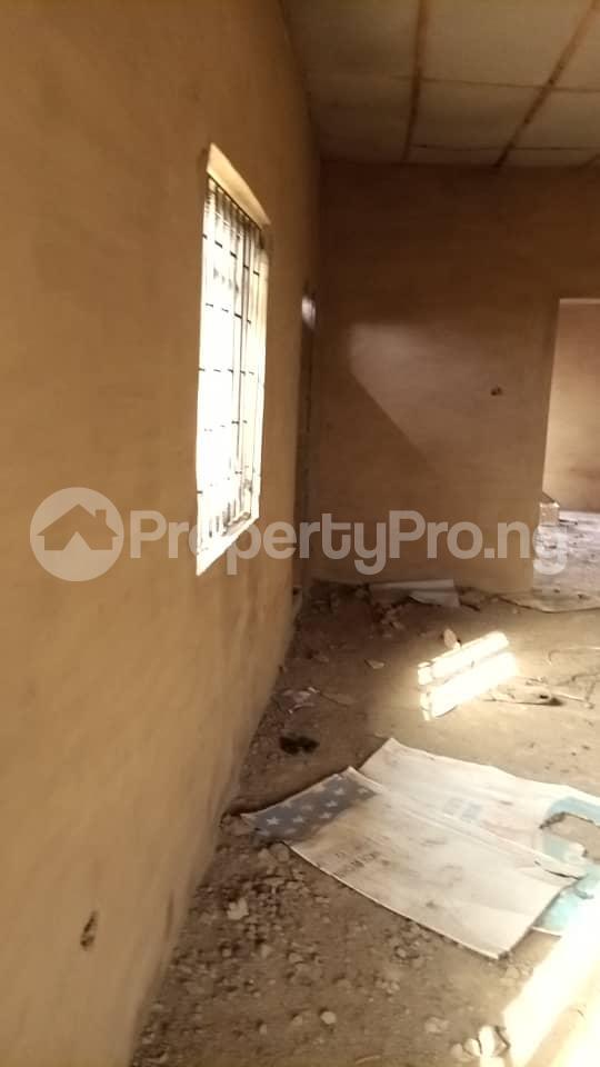 4 bedroom Factory Commercial Property for sale  behind ajara Grammar school olorunda area akobo ibadan. Akobo Ibadan Oyo - 4