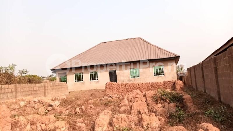 4 bedroom Factory Commercial Property for sale  behind ajara Grammar school olorunda area akobo ibadan. Akobo Ibadan Oyo - 3