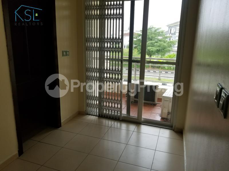 4 bedroom Terraced Duplex House for rent Residential Area Banana Island Ikoyi Lagos - 11