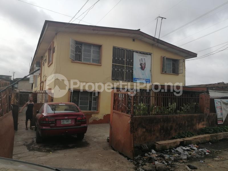 2 bedroom Blocks of Flats House for sale Ijesha Surulere Lagos - 1