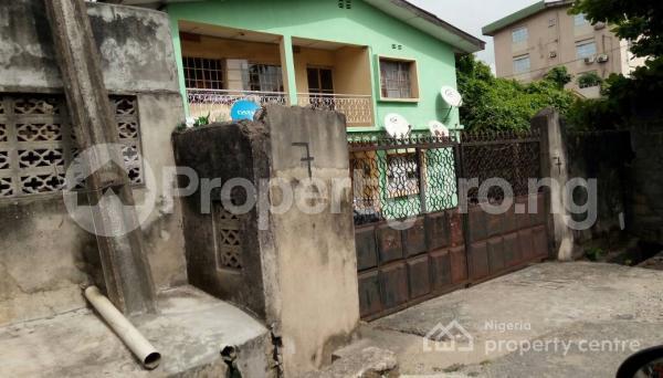 2 bedroom Flat / Apartment for sale Association Avenue Obanikoro Shomolu Lagos - 0