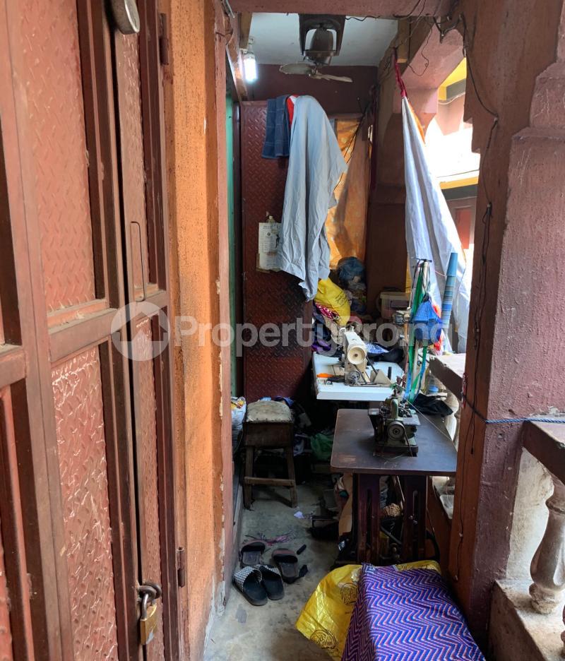 House for sale Off Balogun market  Lagos Island Lagos Island Lagos - 6
