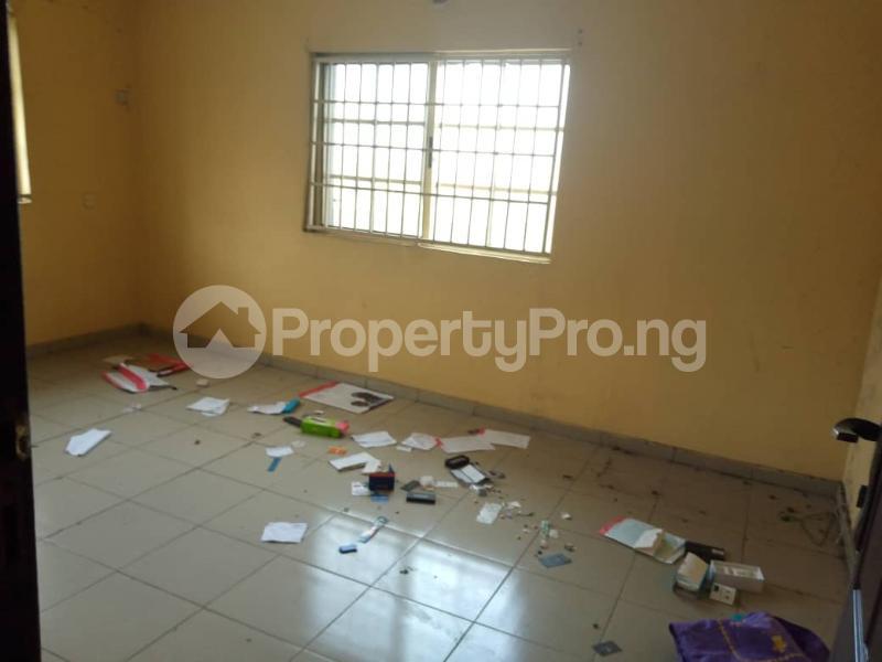 3 bedroom Flat / Apartment for sale Millennium Millenuim/UPS Gbagada Lagos - 9
