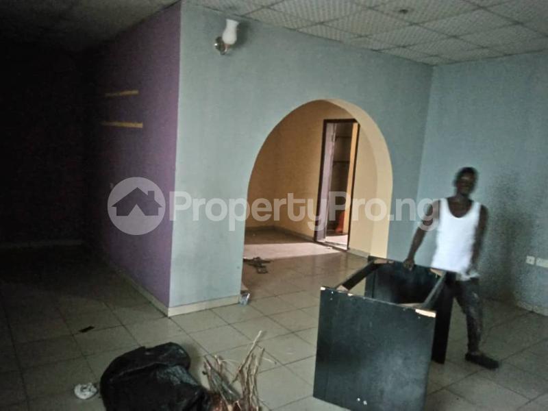 3 bedroom Flat / Apartment for sale Millennium Millenuim/UPS Gbagada Lagos - 4