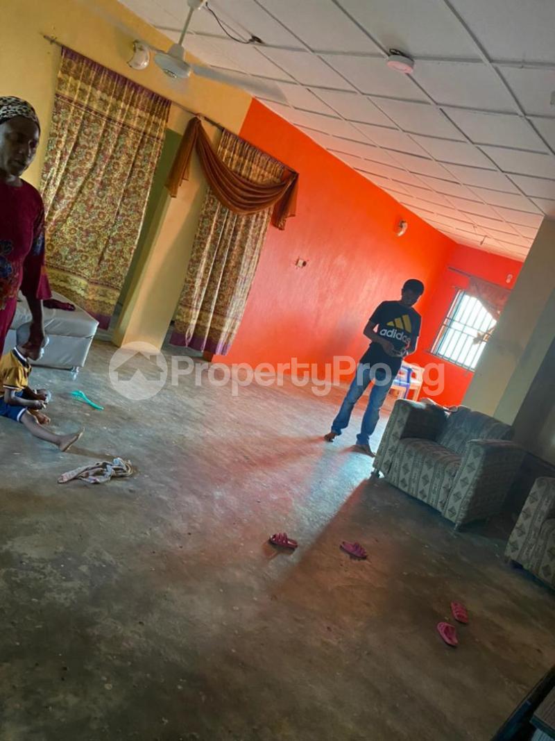 3 bedroom Blocks of Flats House for sale Around Amulet wonderland estate Ayobo Ipaja Lagos - 4