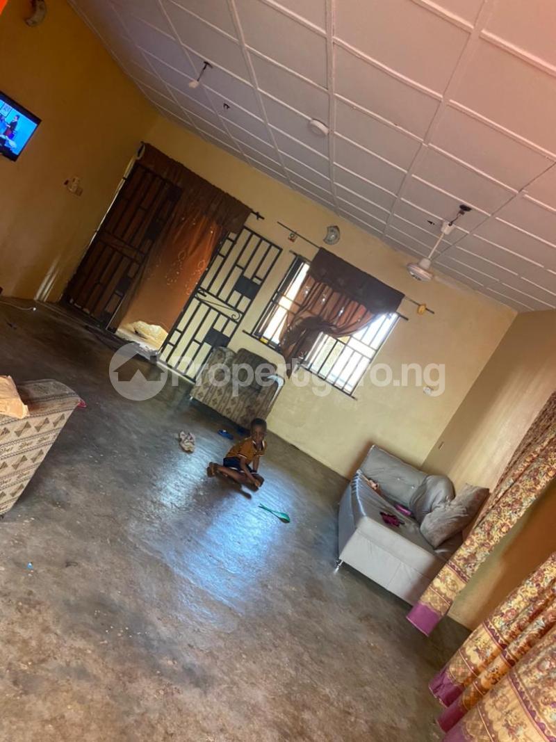 3 bedroom Blocks of Flats House for sale Around Amulet wonderland estate Ayobo Ipaja Lagos - 11