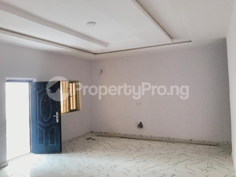 3 bedroom Flat / Apartment for sale BRIDGEGATE ESTATE Agungi Lekki Lagos - 5
