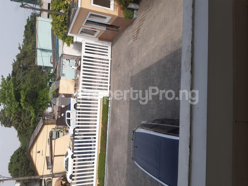 Shop in a Mall for rent Off Adeola Odeku Victoria Island Lagos - 3