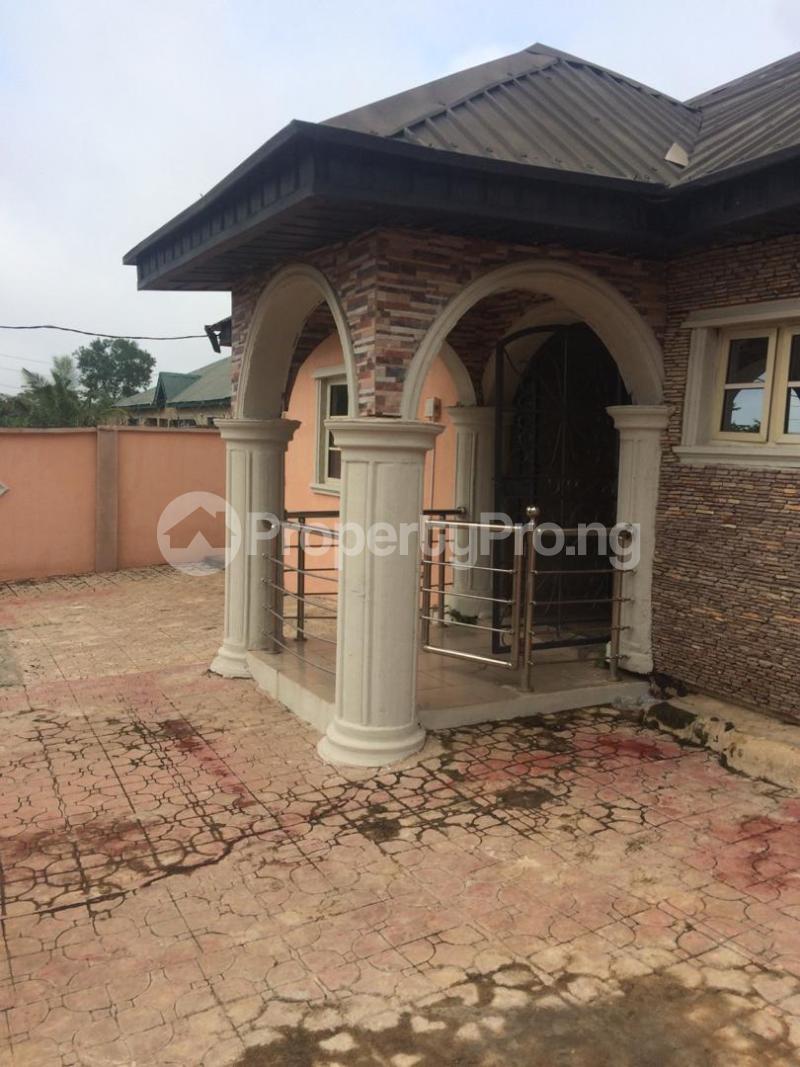 5 bedroom Flat / Apartment for rent Adeji Ogungbade Egbeda Oyo - 3