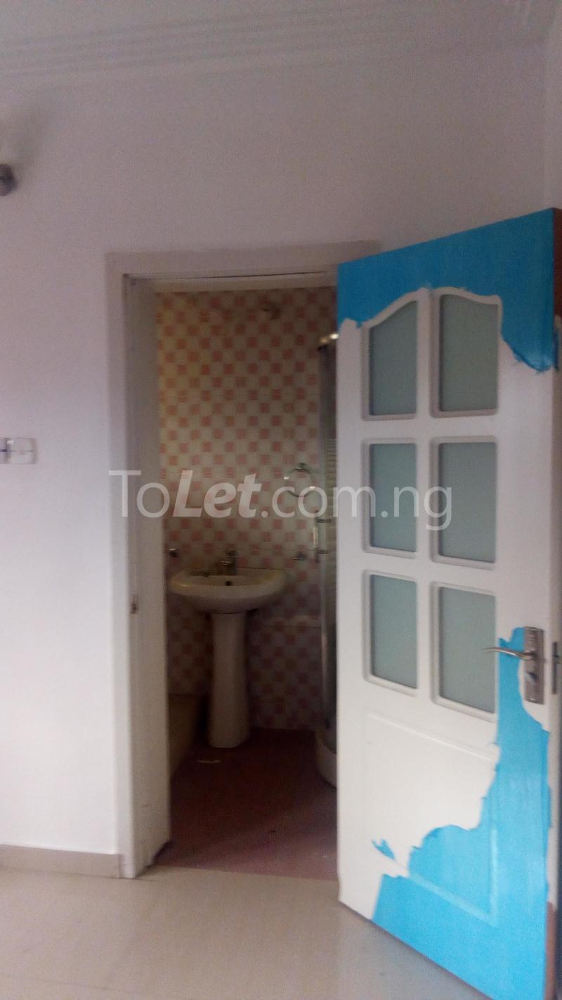 4 bedroom House for rent Ayomi shoprite Monastery road Sangotedo Lagos - 9