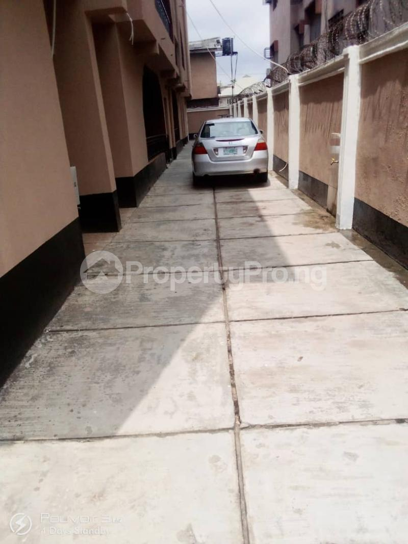 4 bedroom Flat / Apartment for rent Off College Road Inside An Estate Ifako-ogba Ogba Lagos - 6