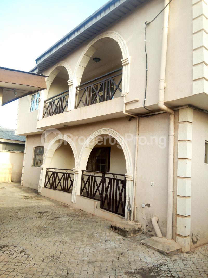 4 bedroom Shared Apartment Flat / Apartment for rent Philip estate otun akute Yakoyo/Alagbole Ojodu Lagos - 0