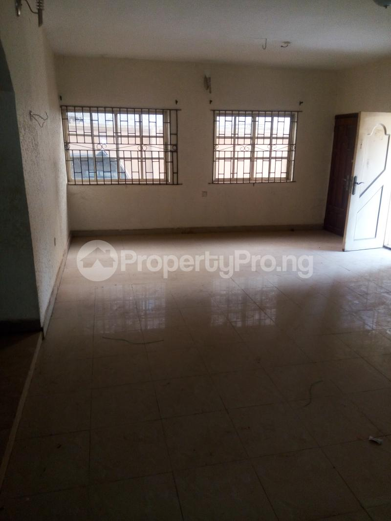 4 bedroom Shared Apartment Flat / Apartment for rent Philip estate otun akute Yakoyo/Alagbole Ojodu Lagos - 4