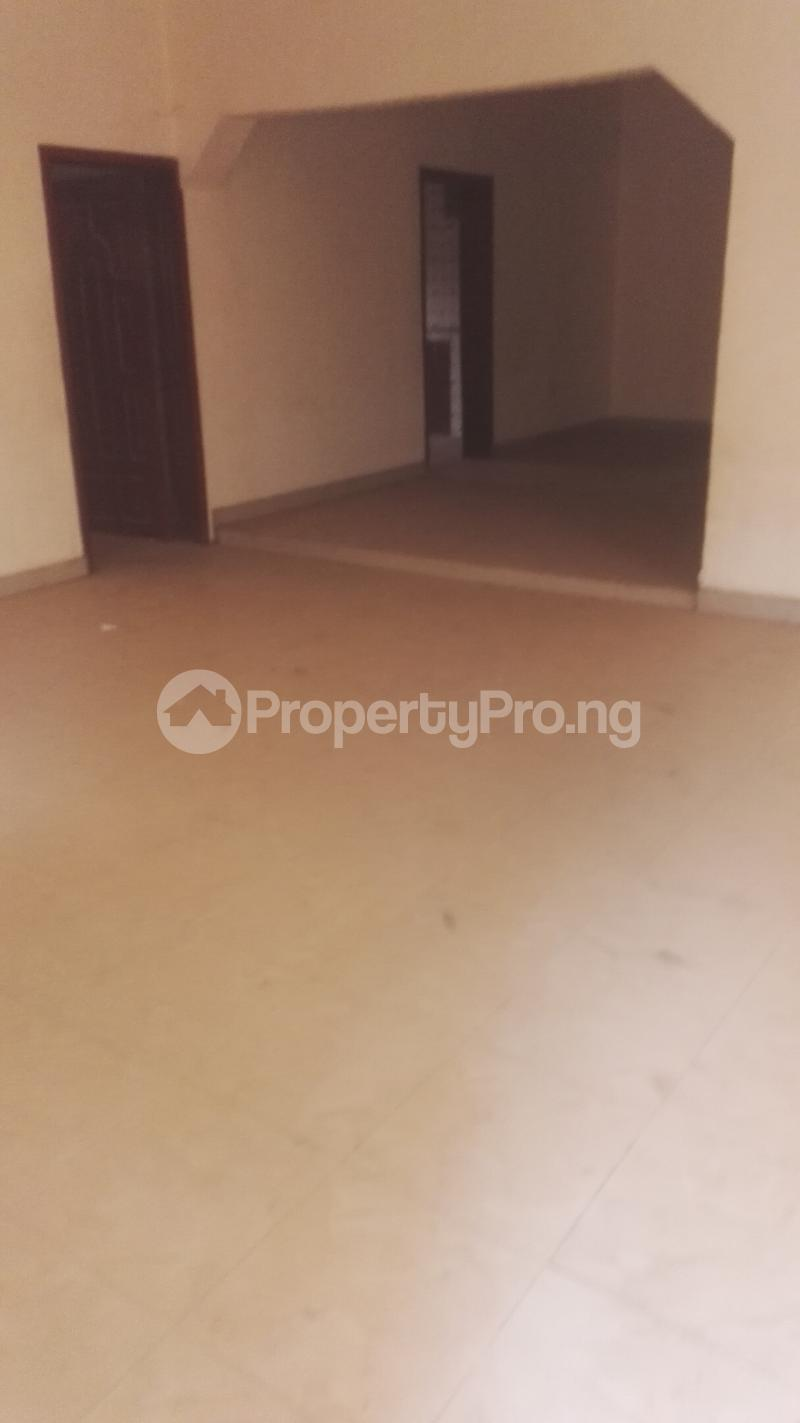 4 bedroom Shared Apartment Flat / Apartment for rent Philip estate otun akute Yakoyo/Alagbole Ojodu Lagos - 2