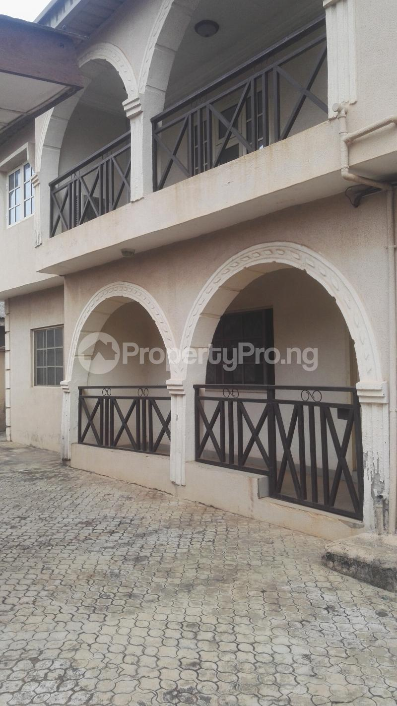 4 bedroom Shared Apartment Flat / Apartment for rent Philip estate otun akute Yakoyo/Alagbole Ojodu Lagos - 3