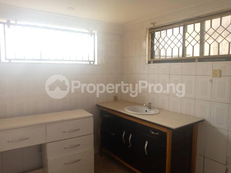 Semi Detached Duplex House for rent Magodo GRA Phase 2 Kosofe/Ikosi Lagos - 17