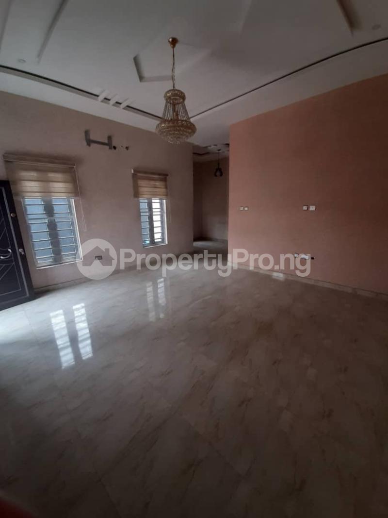 4 bedroom Semi Detached Duplex for sale Southern View Estate chevron Lekki Lagos - 17