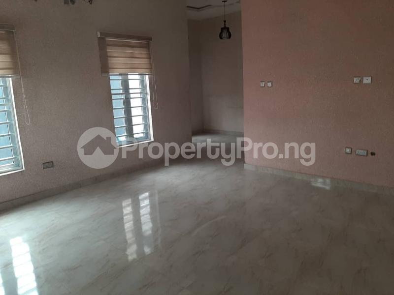 4 bedroom Semi Detached Duplex for sale Southern View Estate chevron Lekki Lagos - 24