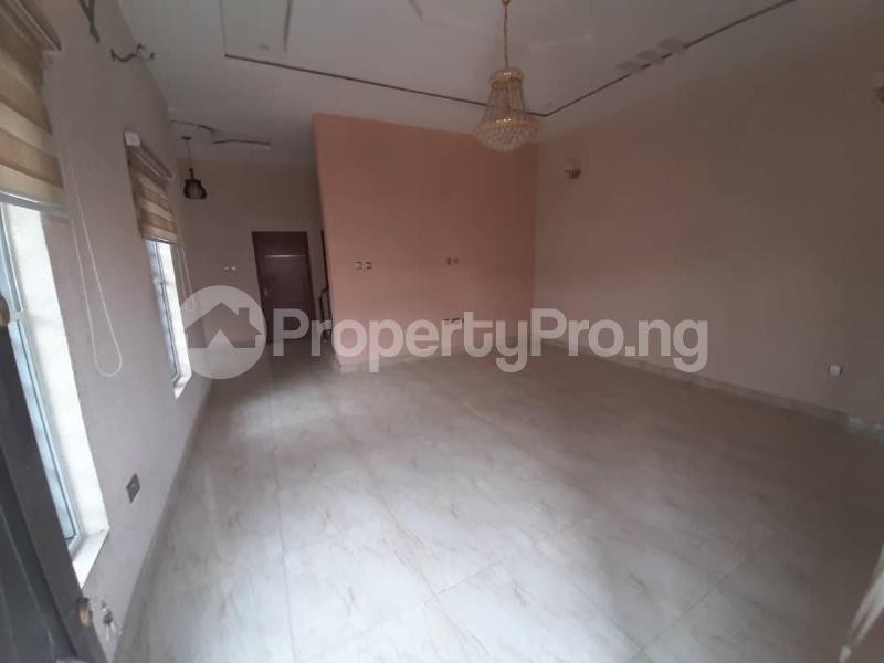 4 bedroom Semi Detached Duplex for sale Southern View Estate chevron Lekki Lagos - 11
