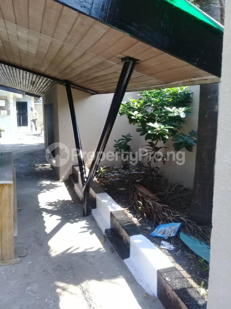 6 bedroom Detached Bungalow House for rent Ladipo Labinjo Bode Thomas Surulere Lagos - 9