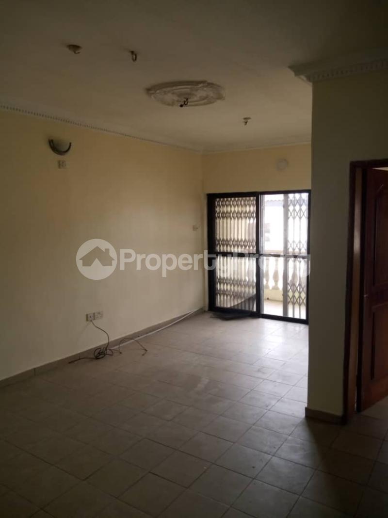 4 bedroom Semi Detached Duplex for rent By Jacob Mews Estate Alagomeji Yaba Lagos - 3