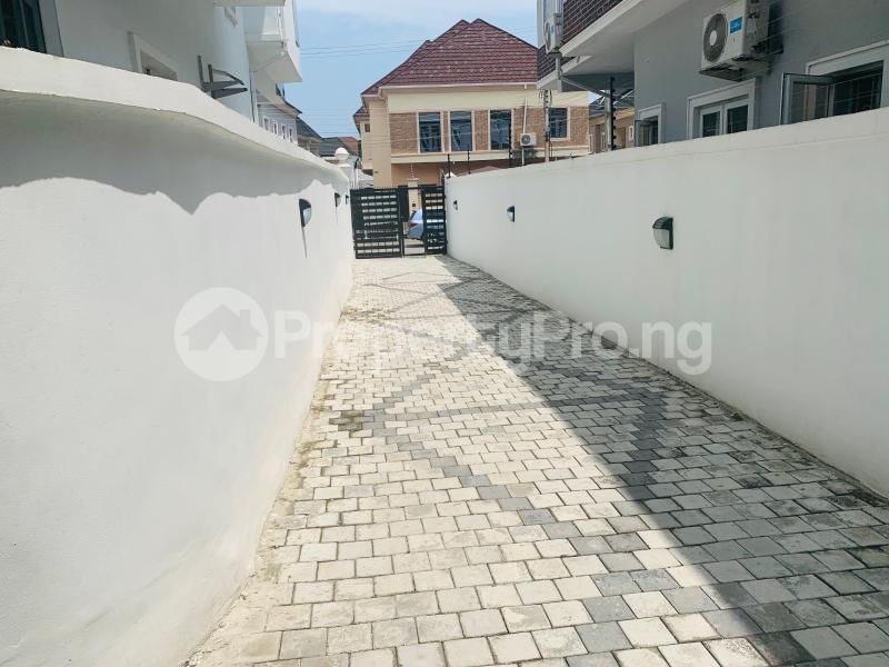4 bedroom Semi Detached Duplex House for sale Bera Estate  chevron Lekki Lagos - 8