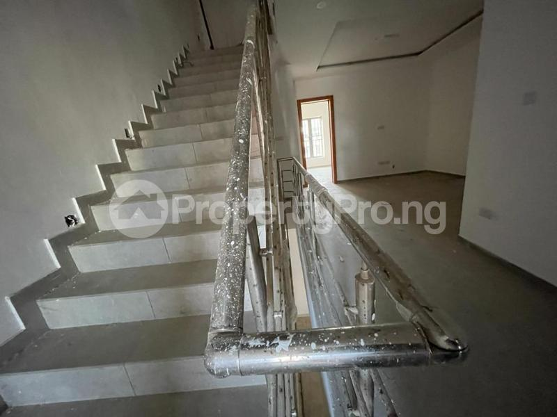 4 bedroom Terraced Duplex House for sale Behind Enyo Filling Station, Chisco Bustop  Ikate Lekki Lagos - 15