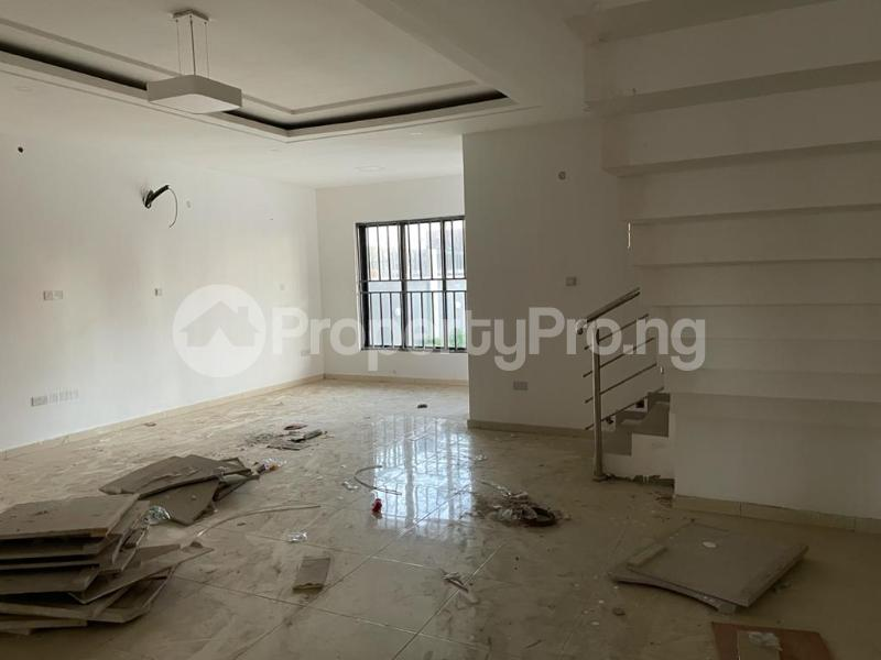 4 bedroom Terraced Duplex House for sale Behind Enyo Filling Station, Chisco Bustop  Ikate Lekki Lagos - 16