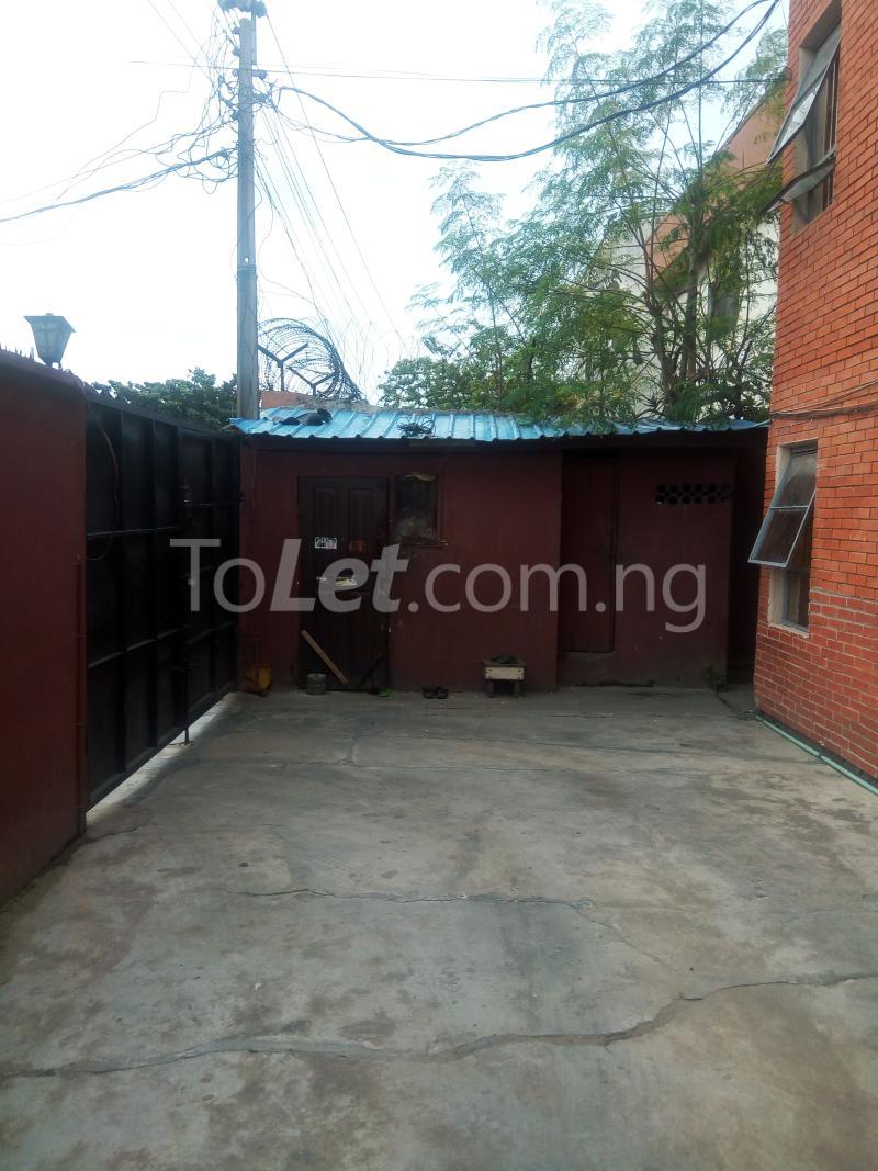 4 bedroom Flat / Apartment for sale off Adelabu Masha Surulere Lagos - 6