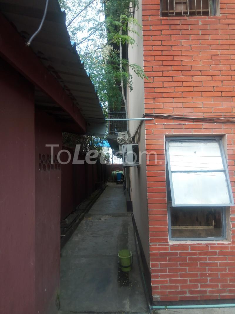 4 bedroom Flat / Apartment for sale off Adelabu Masha Surulere Lagos - 1