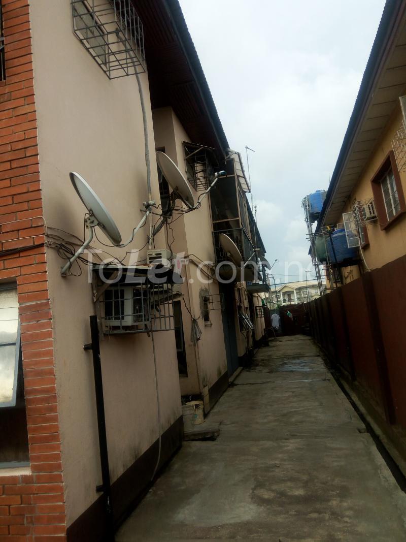 4 bedroom Flat / Apartment for sale off Adelabu Masha Surulere Lagos - 5