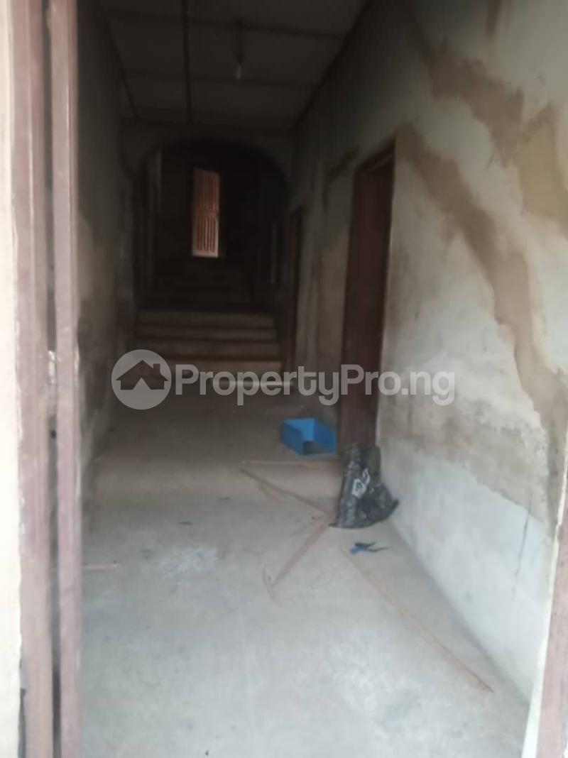 5 bedroom Semi Detached Bungalow House for sale 22,yomi Oshikoya Street Sholebo Estate Ebute Ikorodu Lagos - 4