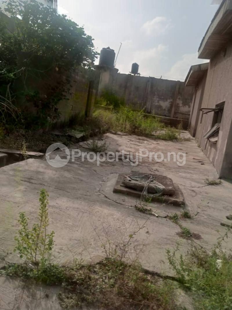 5 bedroom Semi Detached Bungalow House for sale 22,yomi Oshikoya Street Sholebo Estate Ebute Ikorodu Lagos - 8