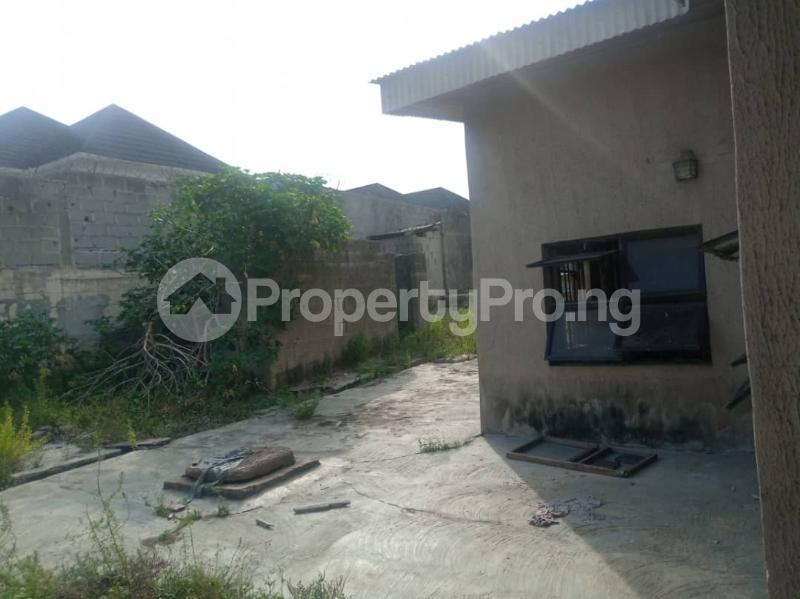5 bedroom Semi Detached Bungalow House for sale 22,yomi Oshikoya Street Sholebo Estate Ebute Ikorodu Lagos - 14