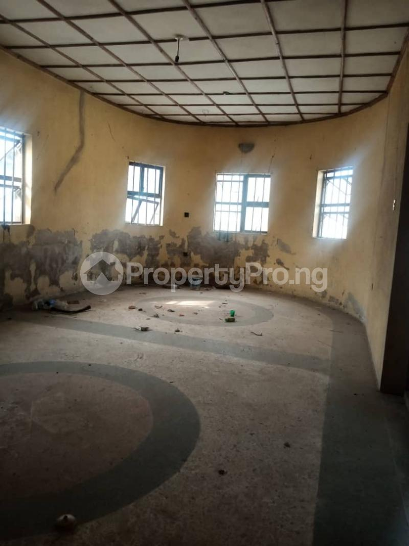 5 bedroom Semi Detached Bungalow House for sale 22,yomi Oshikoya Street Sholebo Estate Ebute Ikorodu Lagos - 1