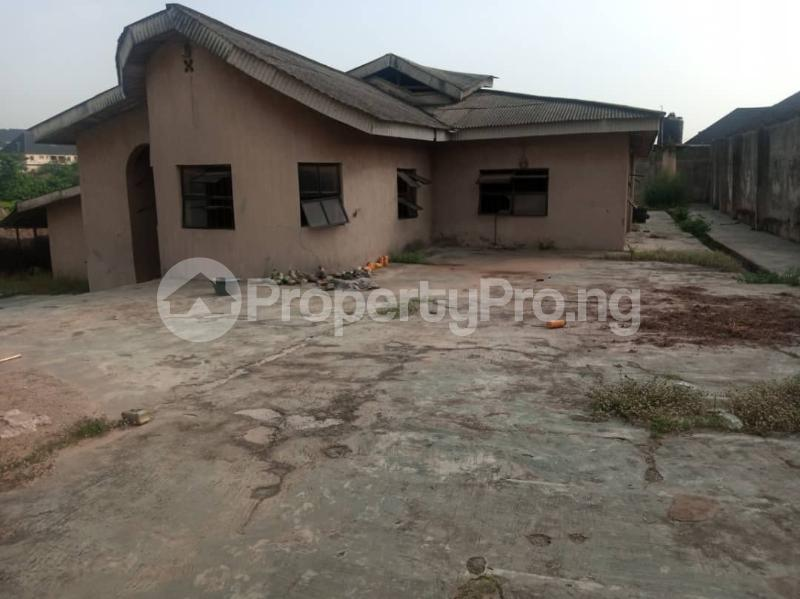 5 bedroom Semi Detached Bungalow House for sale 22,yomi Oshikoya Street Sholebo Estate Ebute Ikorodu Lagos - 2