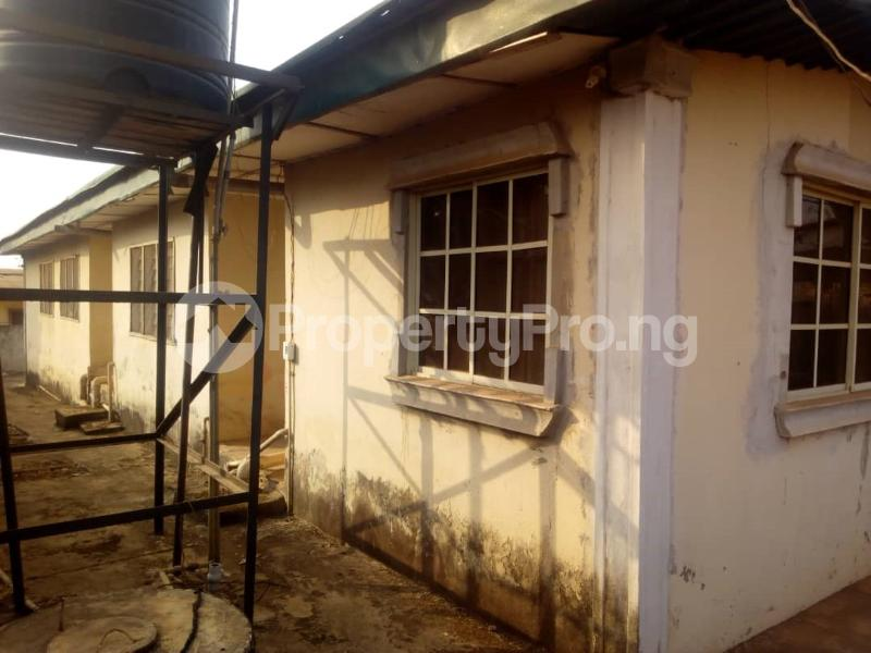 5 bedroom Detached Bungalow House for sale off FUTA South Gate Road Akure Ondo - 0
