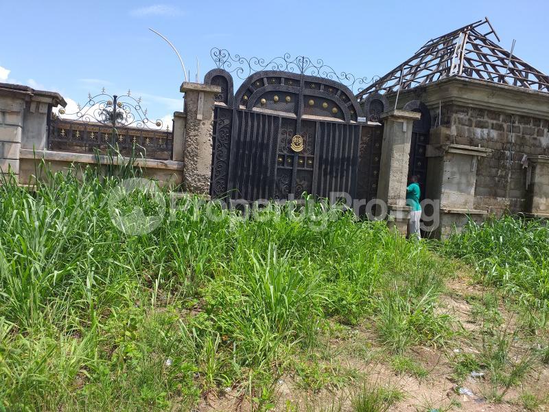 5 bedroom Detached Bungalow House for sale Ihu Orji, Around Senator Ezenwa Onyewuchi's House Orji Owerri Imo - 0