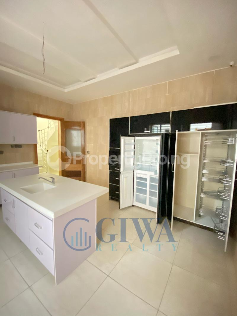 5 bedroom Detached Duplex House for sale Osapa london Lekki Lagos - 5