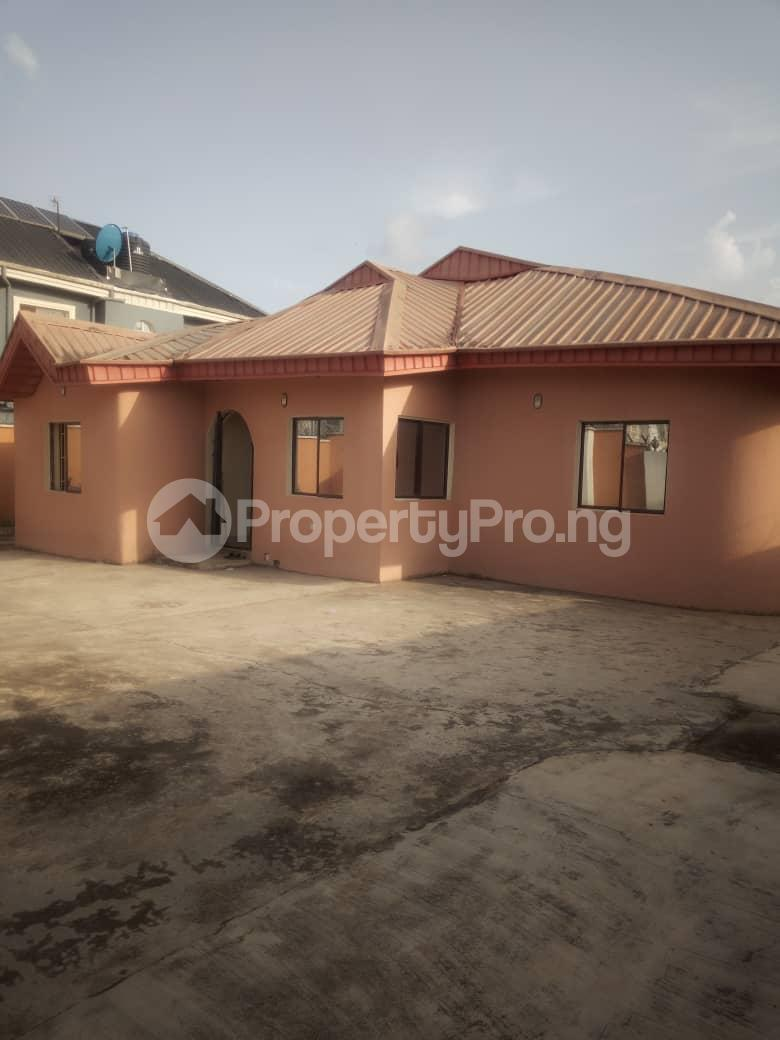 5 bedroom Mini flat for sale Isuti Road Egan Ikotun/Igando Lagos - 0