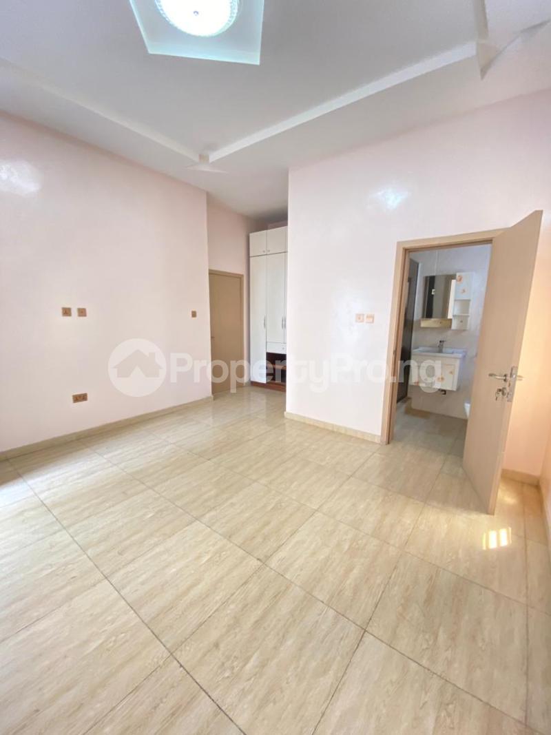 5 bedroom Detached Duplex House for sale chevron Lekki Lagos - 10