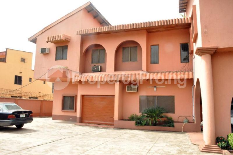 5 bedroom Detached Duplex House for sale Off 4th Avenue Festac Amuwo Odofin Lagos - 0