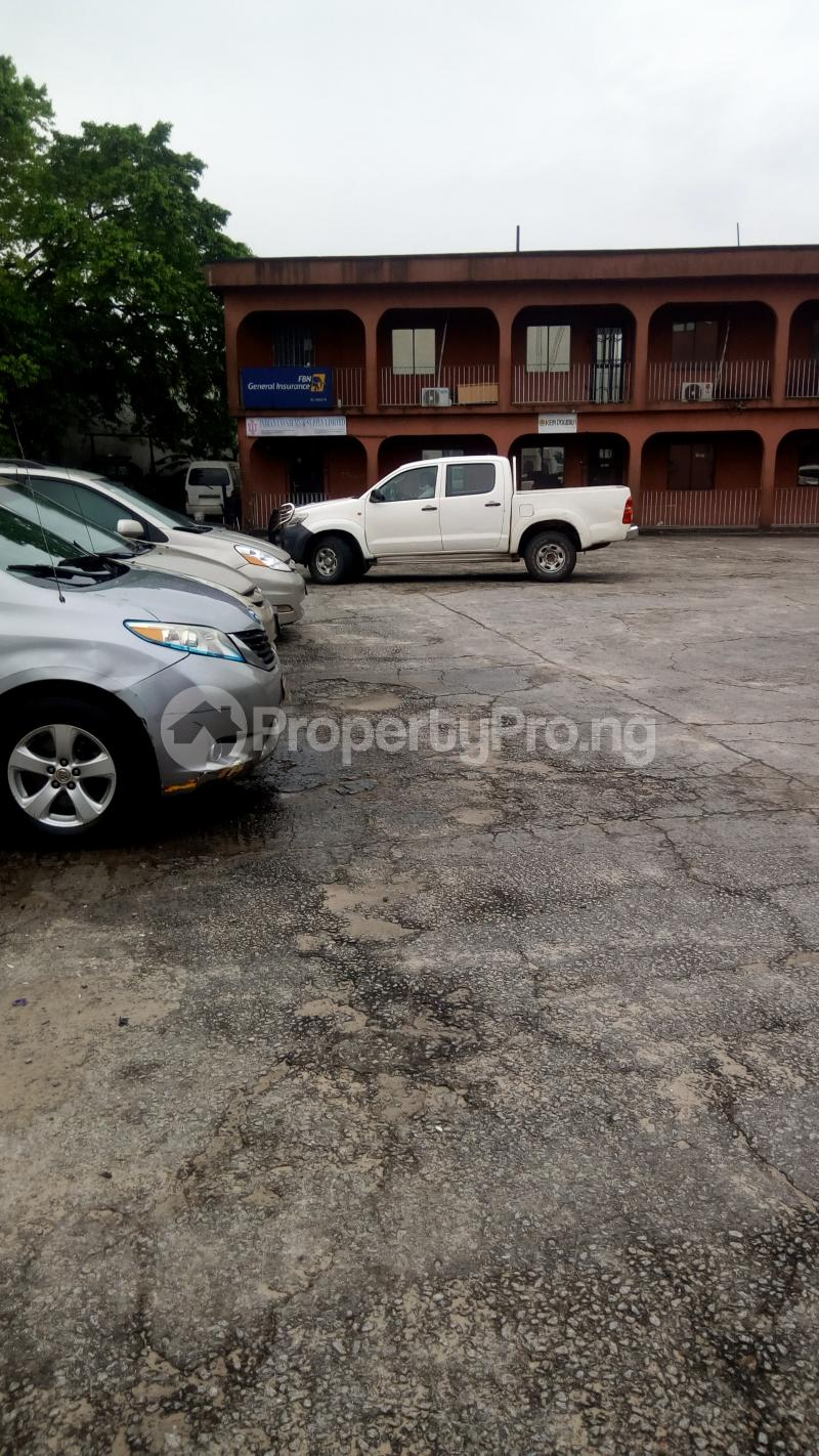 Office Space for sale 40 Effurun/sapele Road Warri Delta - 9
