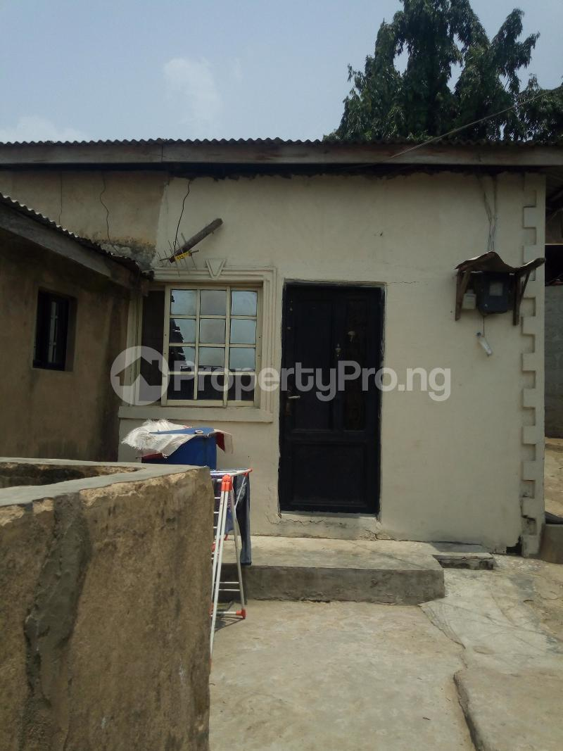 5 bedroom Blocks of Flats House for sale Dagbolu off Idi-Iroko B/stop, Ikorodu, Lagos Ikorodu Ikorodu Lagos - 1