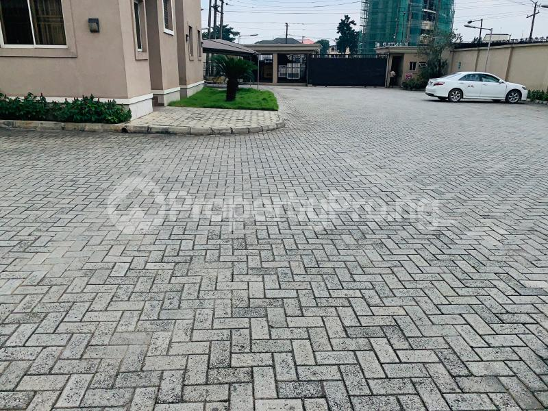 Office Space Commercial Property for rent Ikorodu Road Maryland Ikeja Lagos - 3