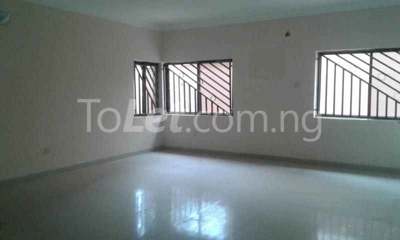 5 bedroom Flat / Apartment for rent 11, Bedrock Street Ajaokuta Lagos - 2
