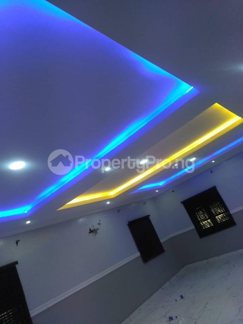 5 bedroom Detached Duplex for sale Erunwen, Off Obafemi Awolowo Ikorodu Ikorodu Lagos - 3
