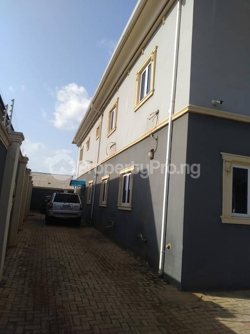 5 bedroom Detached Duplex for sale Erunwen, Off Obafemi Awolowo Ikorodu Ikorodu Lagos - 1