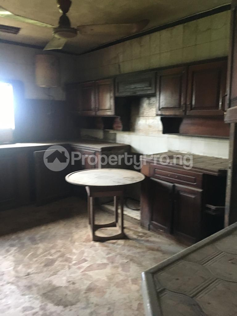 6 bedroom Detached Duplex House for sale Imoru palace road Ijebu Ode Ijebu Ogun - 3